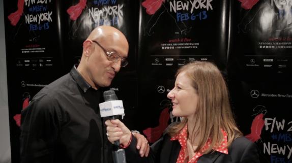 El diseñador venezolano se mostró sumamente cálido en la entrevista backstage, justo antes de presentar su colección Otoño 2014