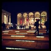 Lincoln Center en la noche tras los desfiles.